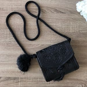 Vintage embroidered black tassel shoulder bag